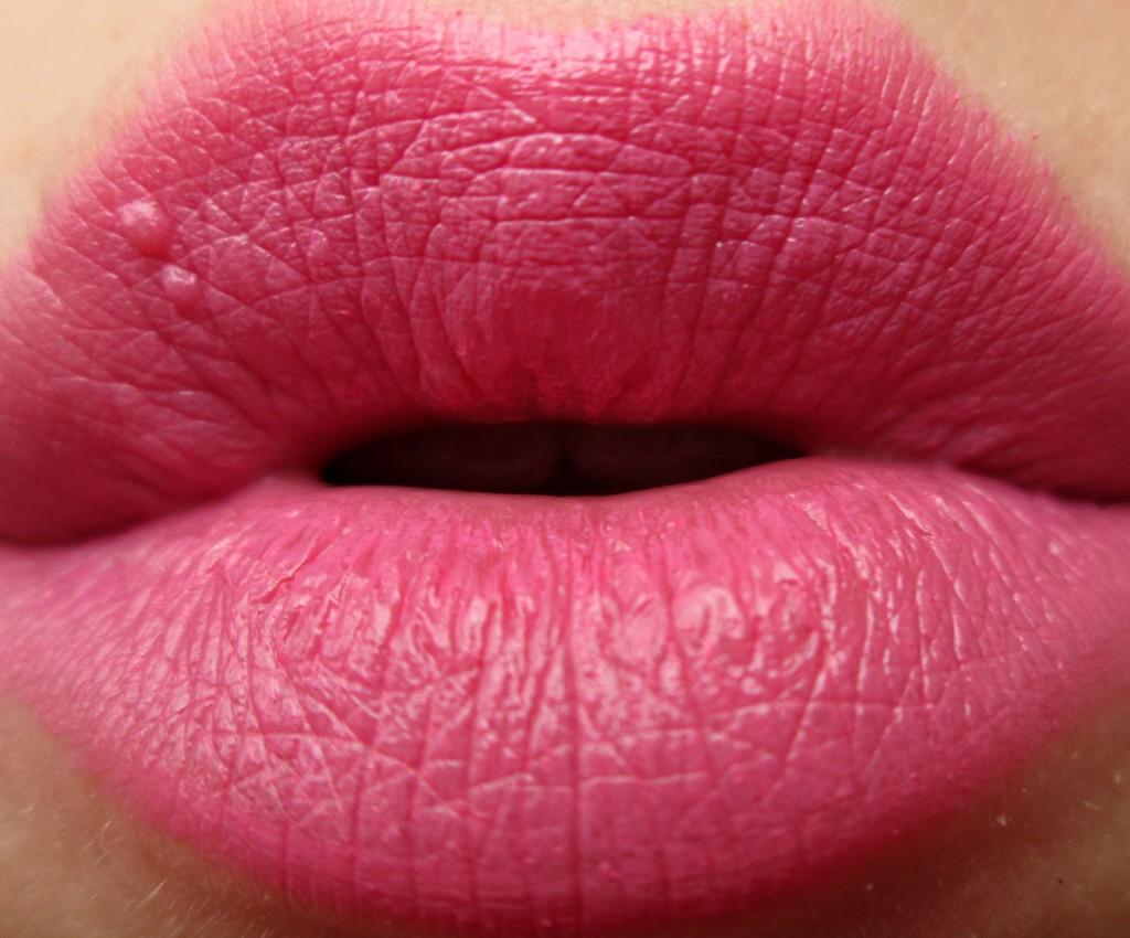 Flushed Lipstick Freedom Make Up