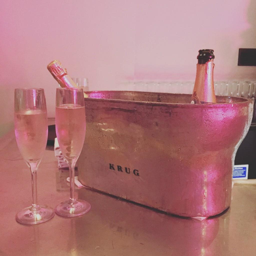 #LeonaXKiss Champagne