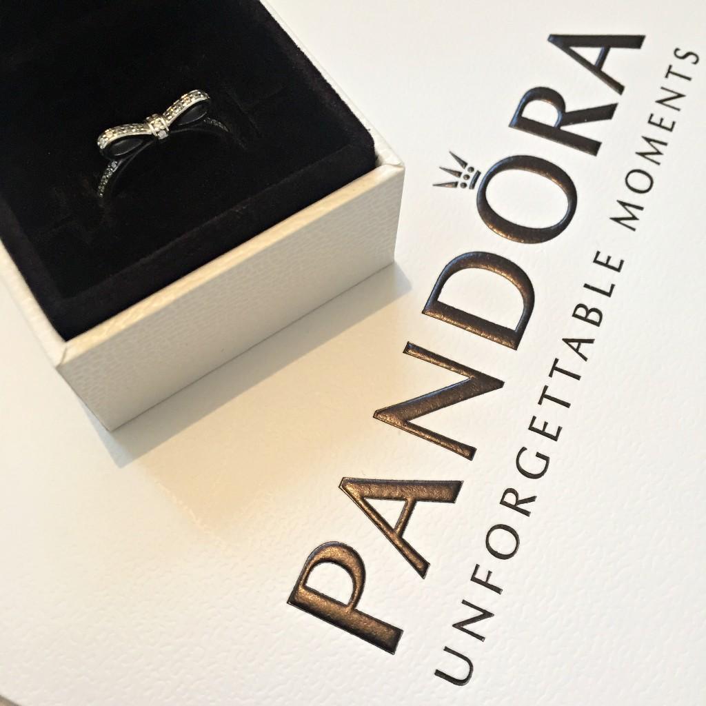 Pandora Dainty Bow Ring
