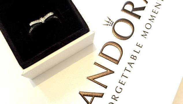Pandora Delicate Bow Ring
